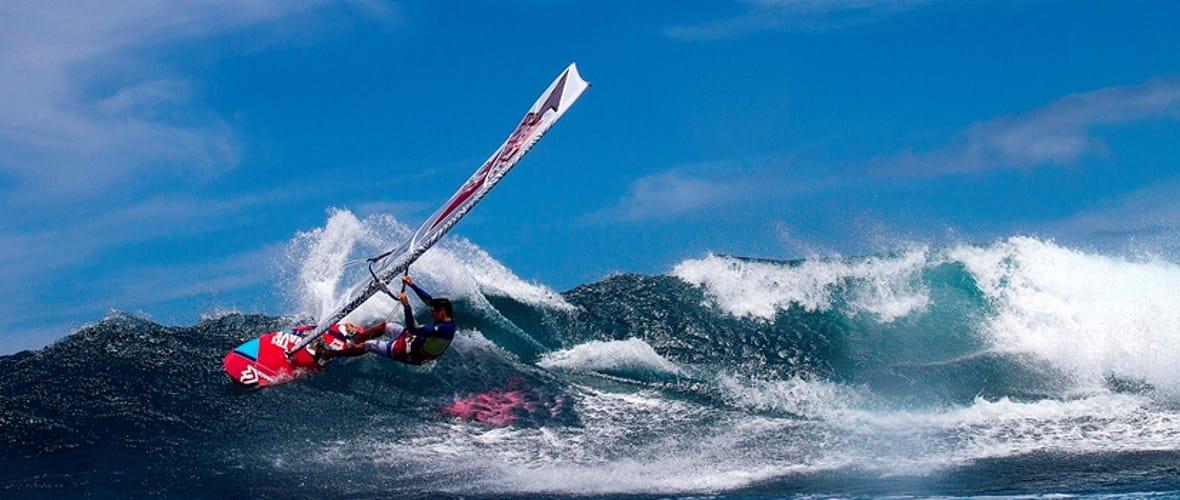 Surfcorner_Slide_2_Windsurfing-min